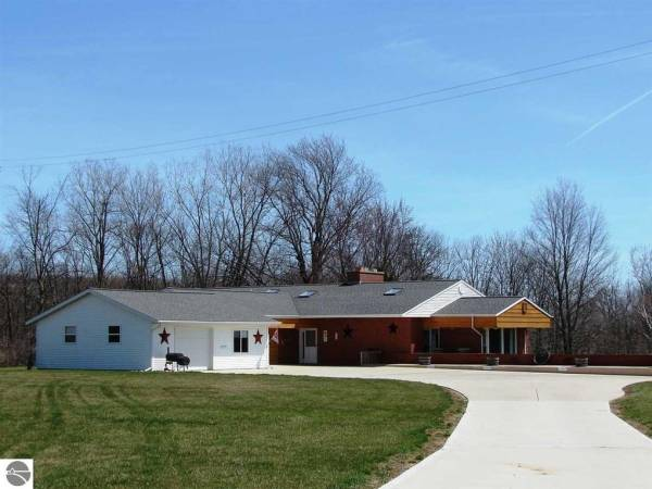Mcveigh's TLC Family Home - Ithaca, MI
