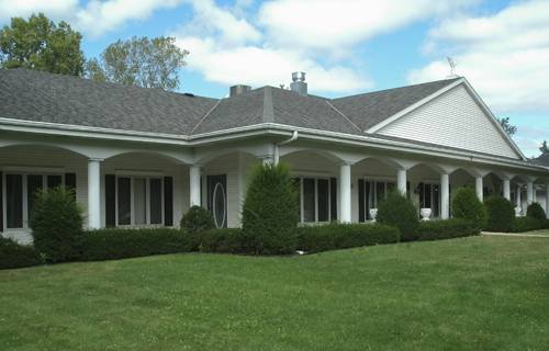 Cottonwood Manor Senior Assisted Living in Green Bay, WI