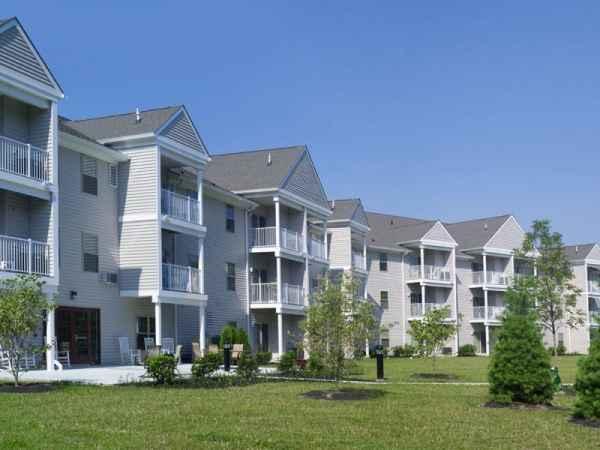 Linden Lake Senior Housing in Clementon, NJ