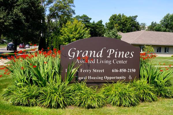 Grand Pines Assisted Living Center - Grand Haven, MI