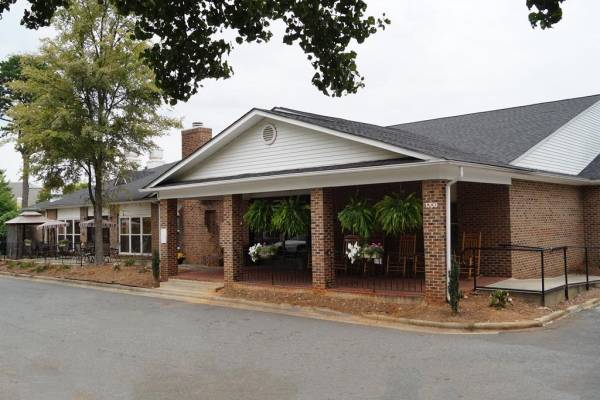 Queen City Assisted Living - Charlotte, NC