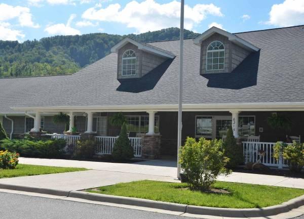 Cranberry House - Newland, NC