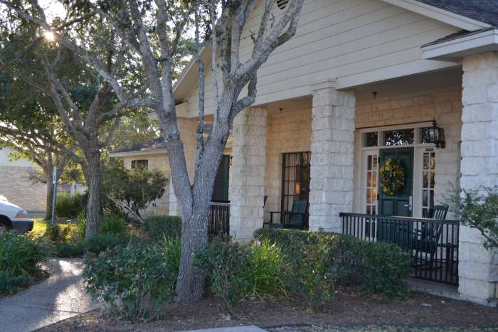 College Place Assisted Living - Schulenburg, TX