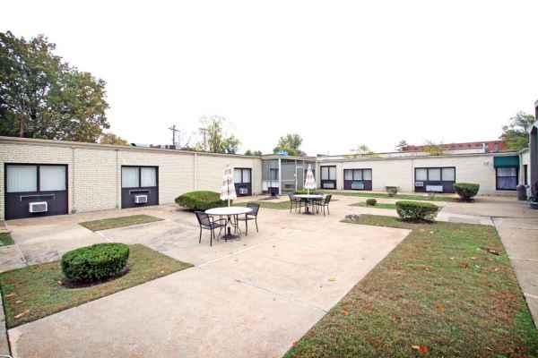 Bernard Care Center In St Louis Mo Reviews Complaints