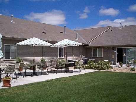 Prairie Pines Lodge in Chadron, NE