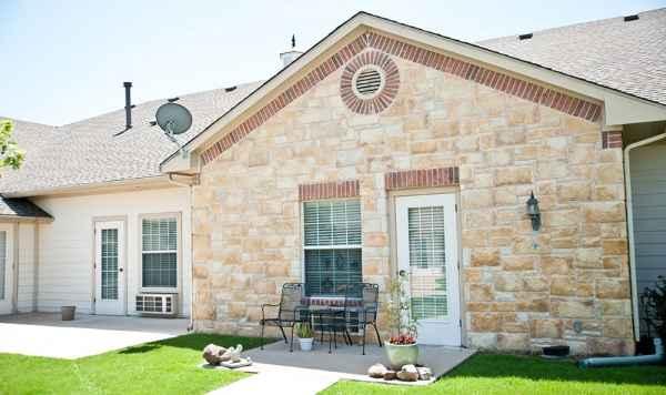 Rambling Oaks Courtyard in Frisco, TX